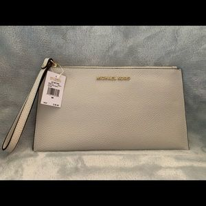 NWT Michael Kors Large Clutch Wristlet
